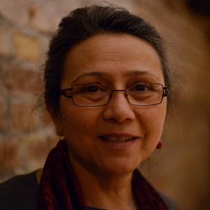 Hülya Karci, Theaterpädagogin, freie Dramaturgin,  Drehbuch- und Bühnenautorin und Regisseurin im Theater- und Filmbereich, kreative Theatergruppe